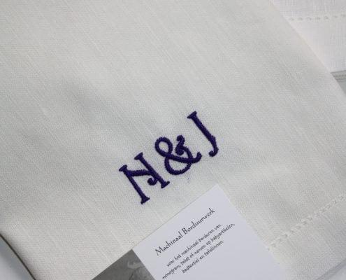 Servet Ebba detail van een monogram